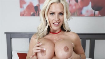 Alena Croft in 'Unwrap Your Milf'