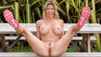 Alexis Fawx В 'Tightest MILF on the Block'