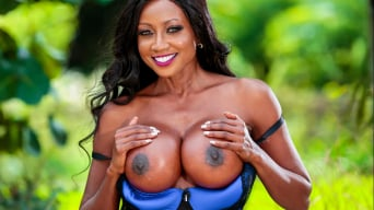 Diamond Jackson in 'Drive By Milf'