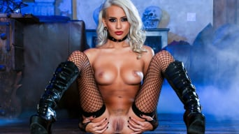Janice Griffith in 'Hot Chicks Big Fangs 2, Scene 4'