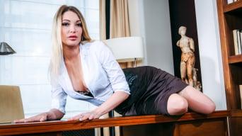 Tamara Grace in 'Erotica FM Scene 1'