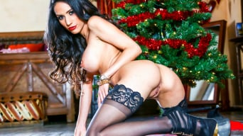 Tia Cyrus in 'Christmas Mistress'